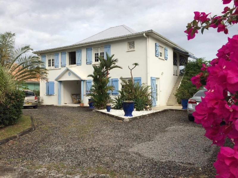 """La villa """"Bleu Azur"""" vue de l'entrée"""