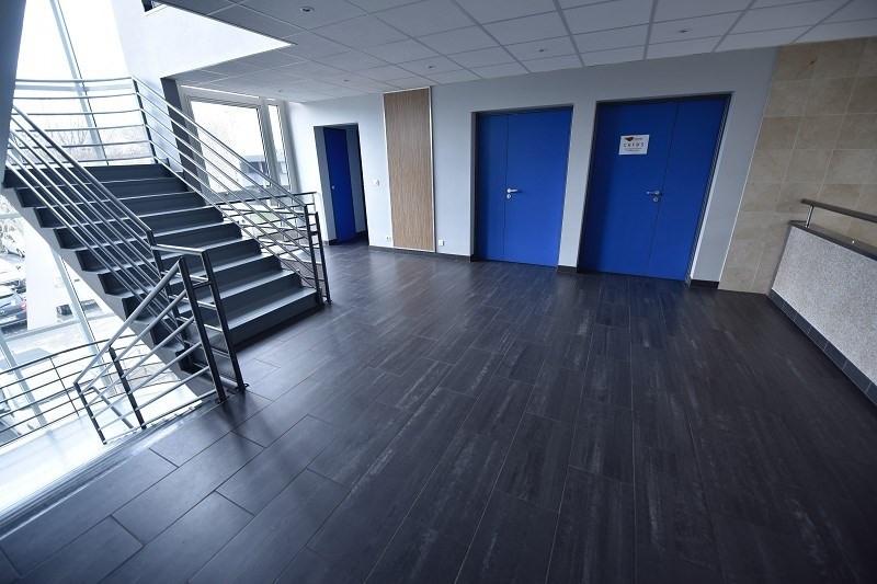 location bureau lab ge 31670 bureau lab ge de 517 m ref 310122270. Black Bedroom Furniture Sets. Home Design Ideas