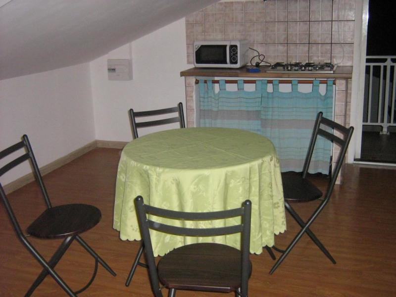 Location vacances Saint-André -  Appartement - 2 personnes - Télévision - Photo N° 1