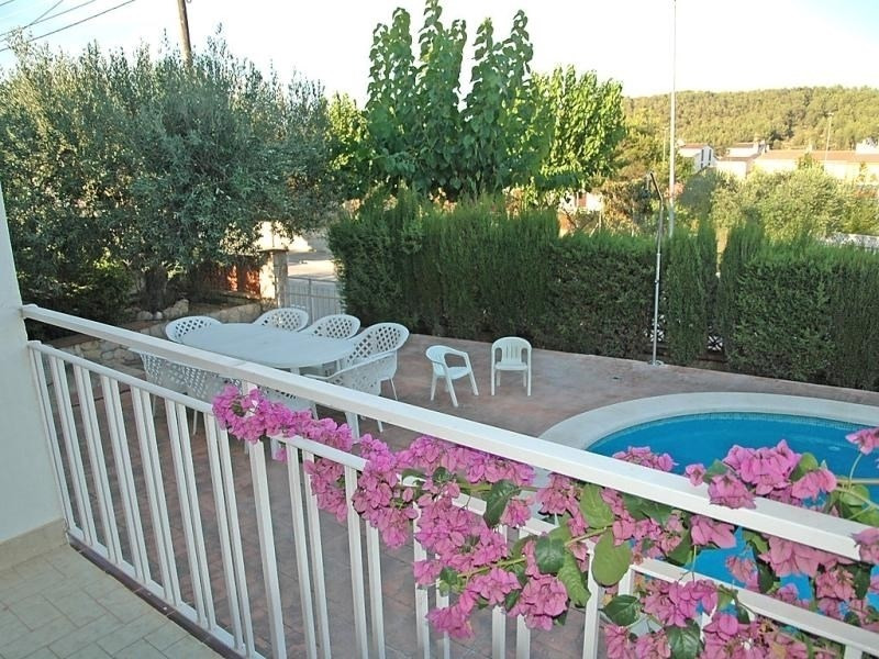 Location vacances Canyelles -  Maison - 10 personnes - Barbecue - Photo N° 1