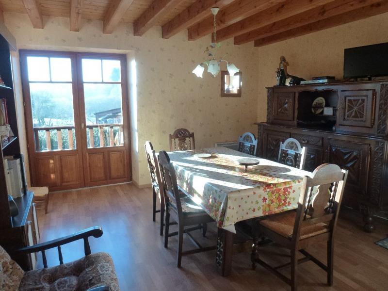 une maison calme et lumineuse où les vacances se déroulent loin de l'agitation des grandes villes, repos, détente, ba...