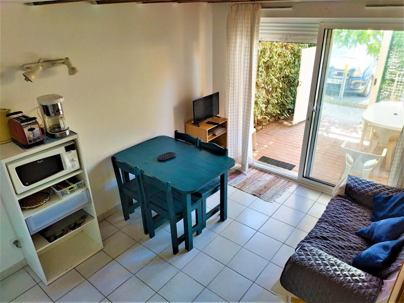 Location vacances Frontignan -  Maison - 4 personnes - Salon de jardin - Photo N° 1