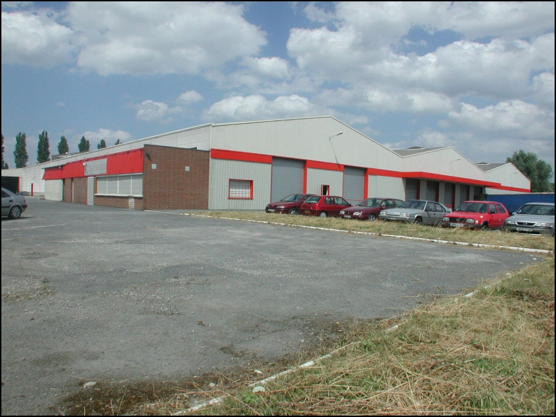 Location entrep t la chapelle d 39 armenti res le bourg les for Garage la chapelle d armentieres