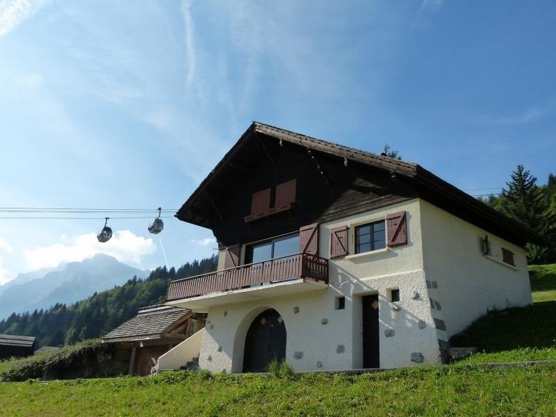 Chalet proche pistes, vue panoramique, cheminée, garage, WIFI