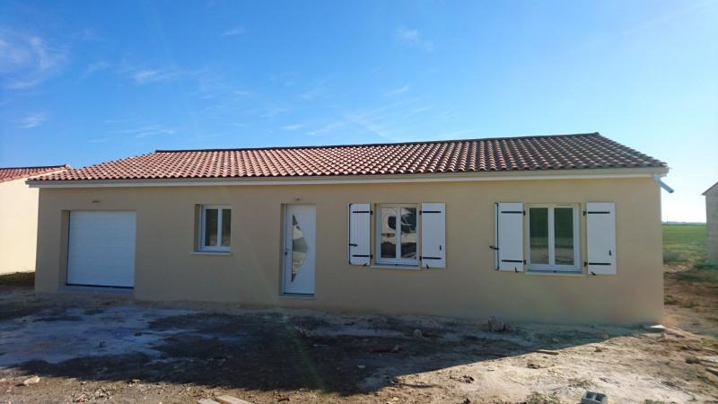 Maison  4 pièces + Terrain 780 m² Agris par MAISONS CHARENTAISES
