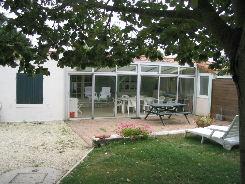hiring, lodging of edge of sea - Port des Barques