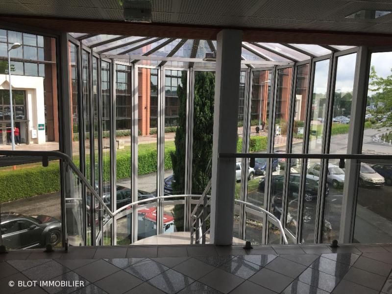 location bureau lab ge 31670 bureau lab ge de 210 m ref 0093 83. Black Bedroom Furniture Sets. Home Design Ideas