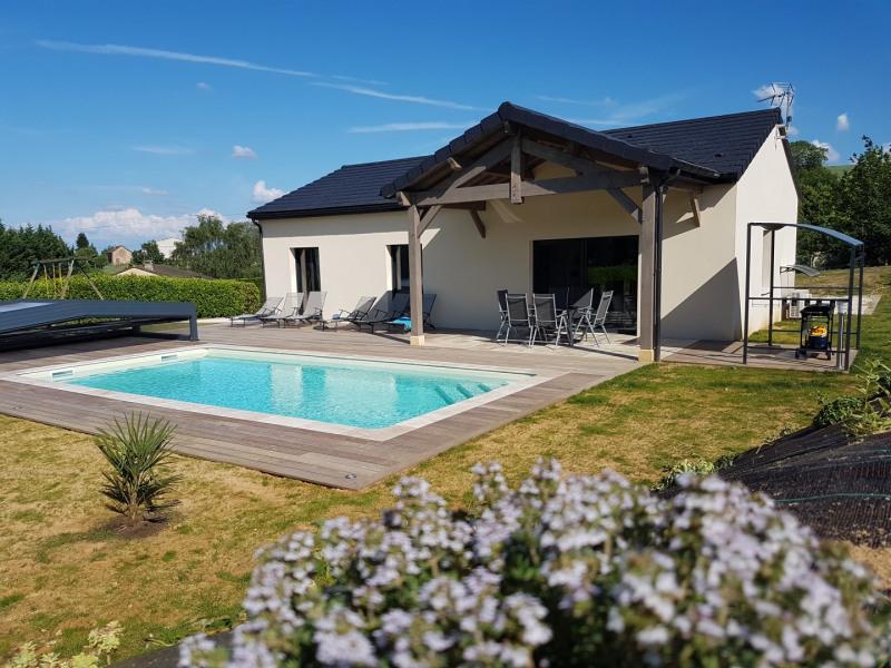 Maison neuve au calme avec piscine couverte à 2 km de Sarlat