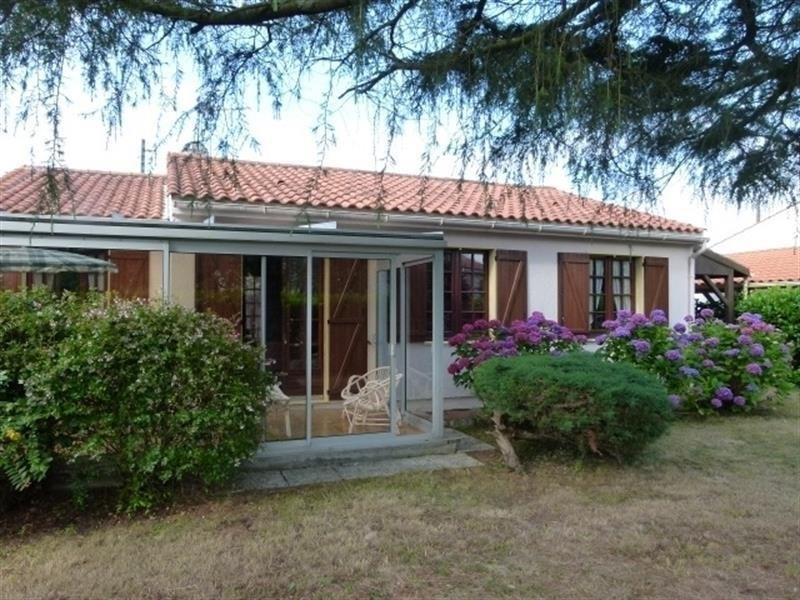 Maison avec jardin dans quartier calme à 2 km de la plage