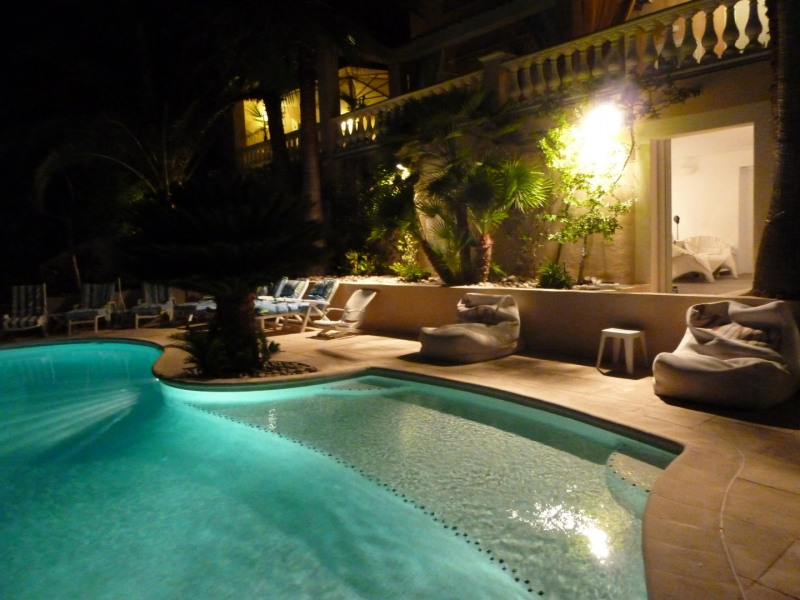 Location vacances Antibes -  Maison - 20 personnes - Barbecue - Photo N° 1