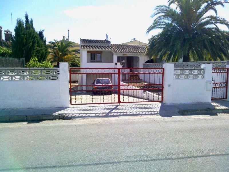 Location vacances Castelló d'Empúries -  Maison - 7 personnes - Barbecue - Photo N° 1