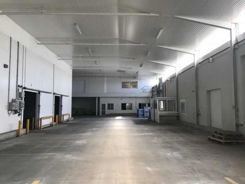 Location Local d'activités / Entrepôt Sénas