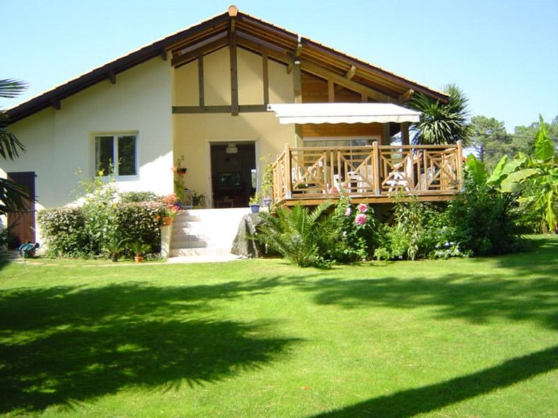 villa avec spa 4 * + possibilité pavillon indépendant A proximité du lac marin et du centre ville