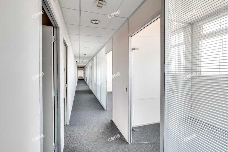 location bureau pantin glise sept arpents 93500 bureau pantin glise sept arpents de 554. Black Bedroom Furniture Sets. Home Design Ideas
