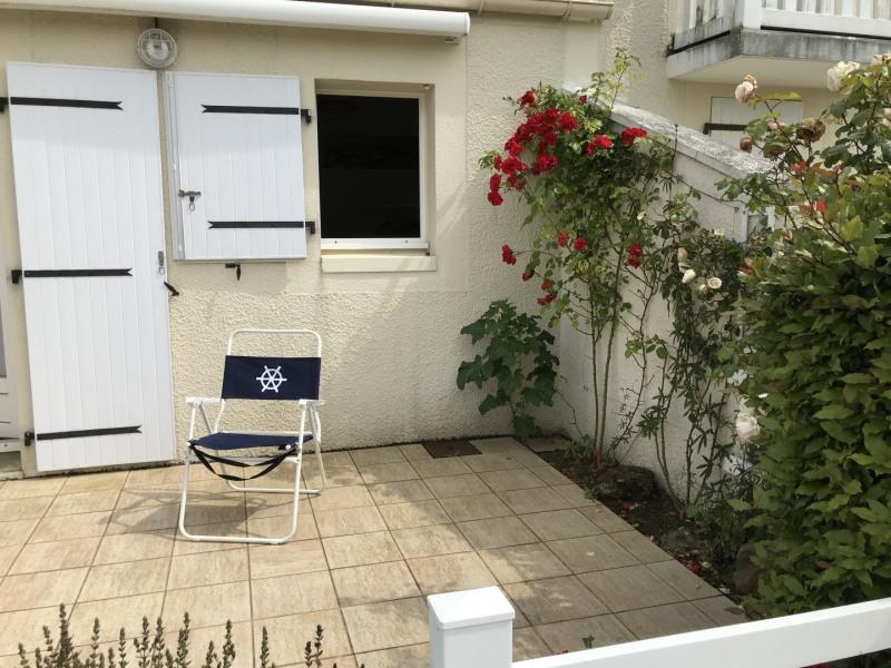 Location vacances Vaux-sur-Mer -  Maison - 5 personnes - Salon de jardin - Photo N° 1