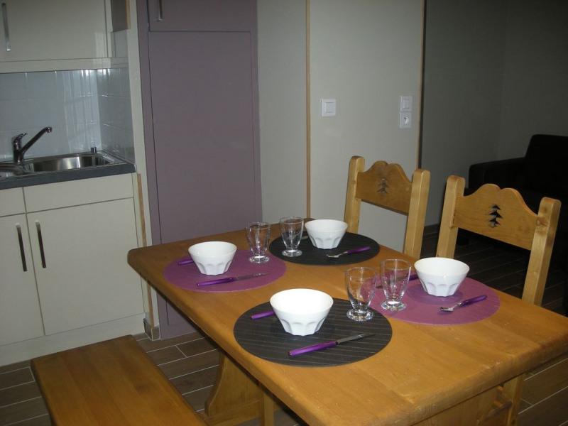 appartement refait à neuf, place de parking dans la résidence accès fermé