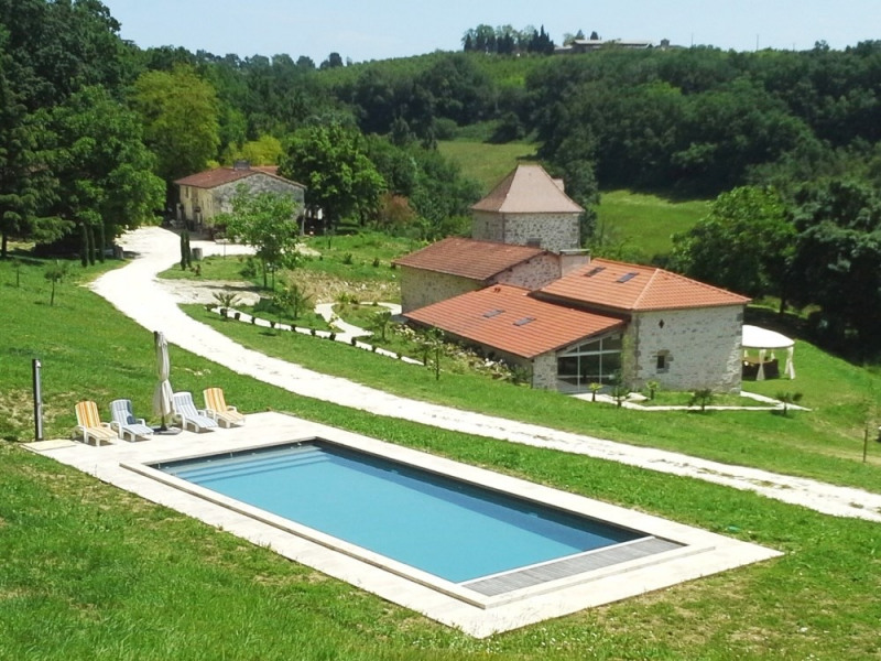 """Gîte """"GUYENNE"""" entièrement restauré avec piscine chauffée"""