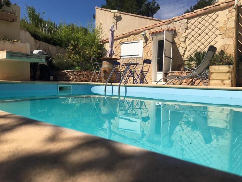 studio accès direct sur piscine