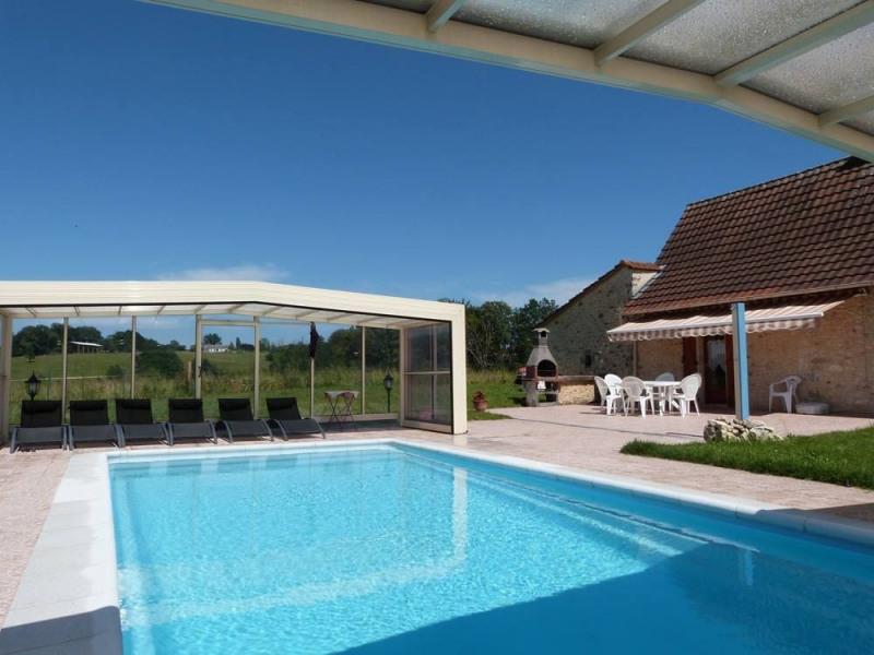 gite 3 etoiles avec piscine privative chauffee et couverte abri-haut telescopique
