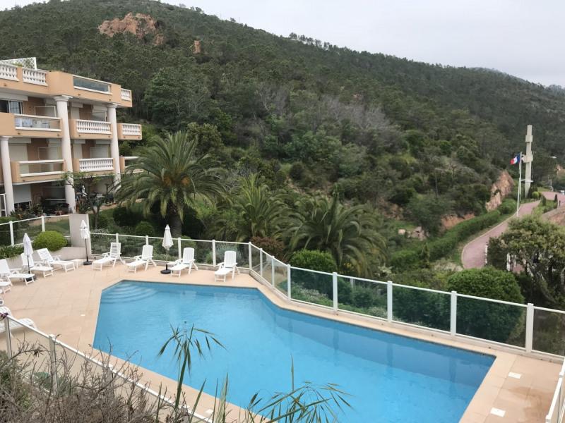 Location appartement T2 pour 4 personnes  avec 2 piscines vue sur mer