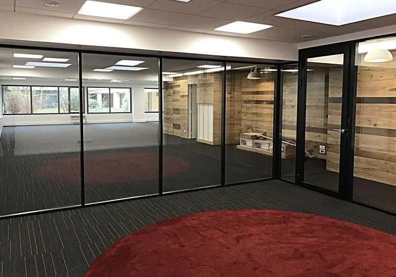 location bureau paris 17 me paris 75 240 m r f rence n 552615. Black Bedroom Furniture Sets. Home Design Ideas