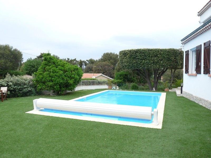 Haut de villa T3 avec piscine.