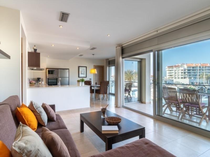 Location vacances Castelló d'Empúries -  Appartement - 7 personnes - Télévision - Photo N° 1