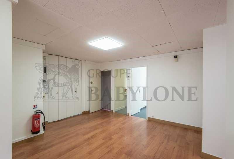 vente bureau suresnes hauts de seine 92 247 m r f rence n 647508. Black Bedroom Furniture Sets. Home Design Ideas