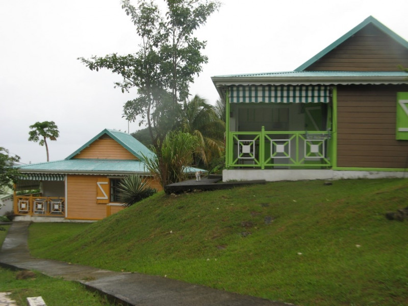 bungalow deshaies, vue mer, piscine, WIFI, calme