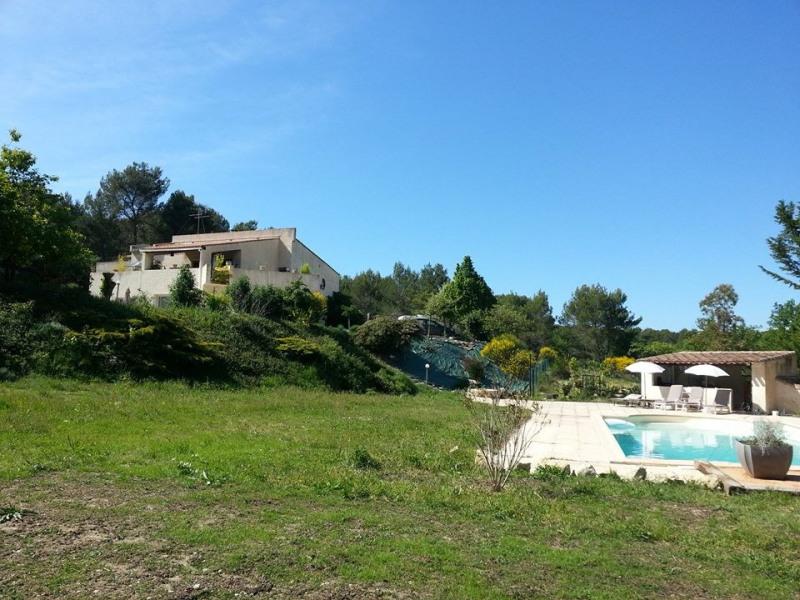 Provence, proximité Aix en Prov. , rez de jardin 140 m2 avec piscine rien que pour vous!