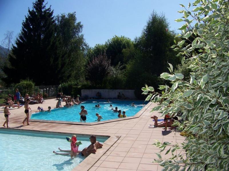 Mobil Home 6/8 places IRM – modèle 2010 - 3 chambres. A 35 km de Grenoble, Chambéry et Albertville, à 500 m d'altitud...