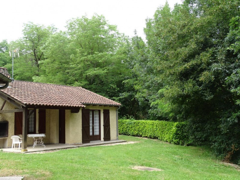LGCAS02- N°1 -Village Gites communaux-6 pers- PISCINE - CASSENEUIL