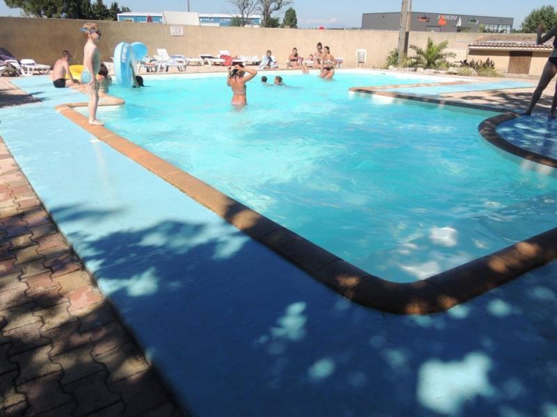 Mobil Home pour 4 pers. avec piscine, Remoulins