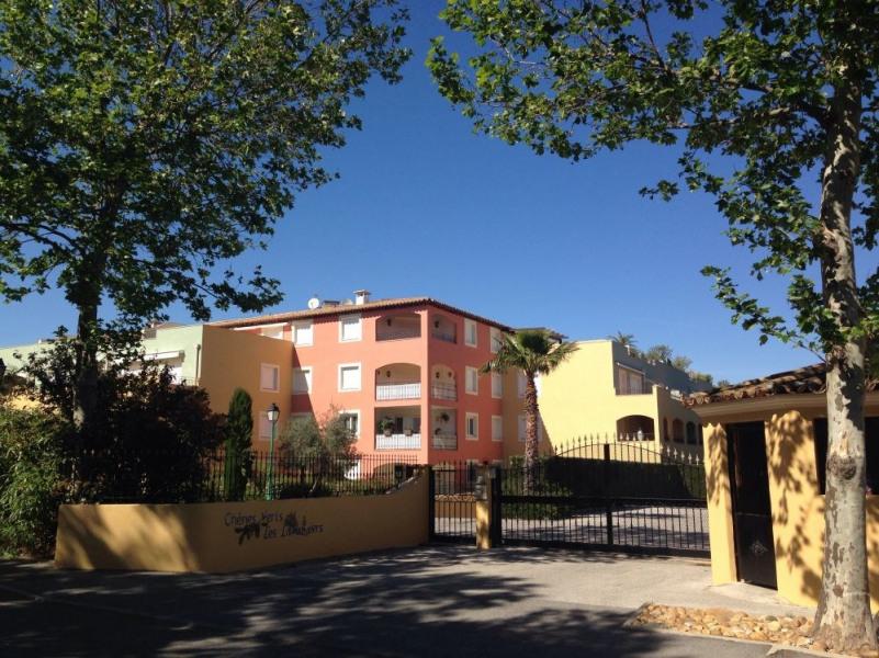 Ref. CHB25. Domaine avec piscine et tennis, climatisation, parking, garage