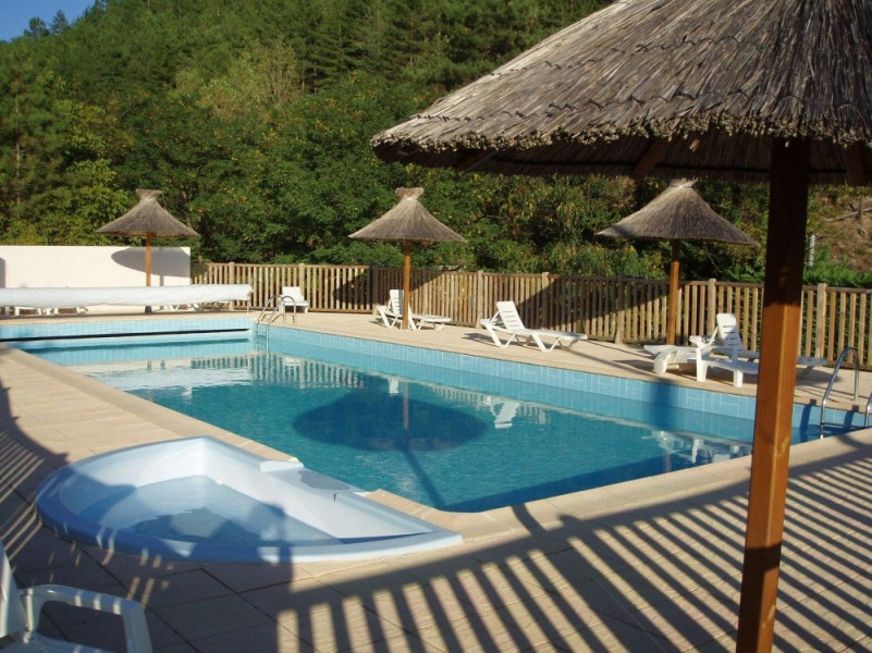Camping Le Pastural, 46 emplacements, 37 locatifs