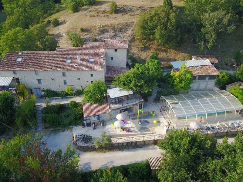 Flower Camping La Beaume, 42 emplacements, 14 locatifs
