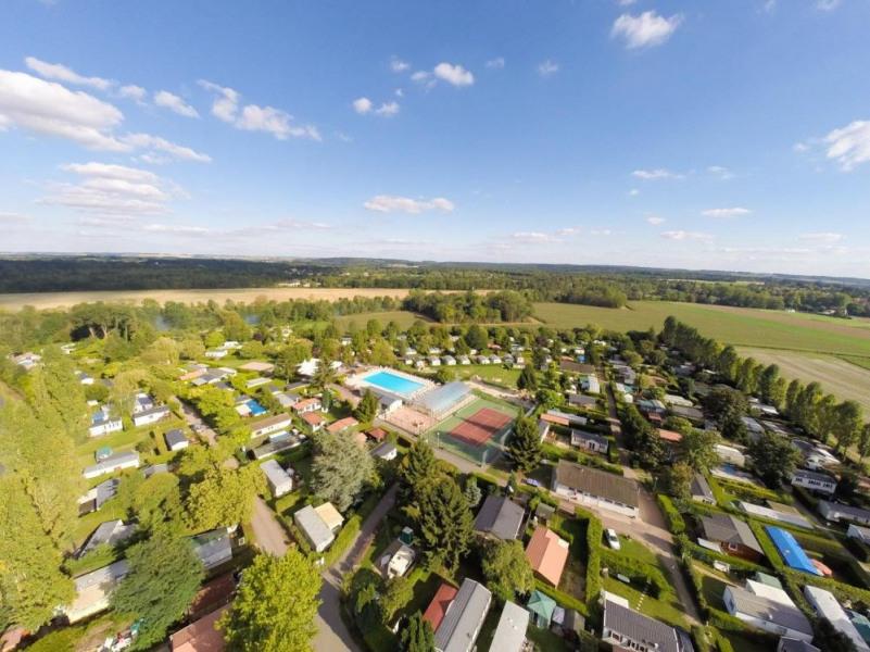 Camping Le Village Parisien****, 64 emplacements, 203 locatifs