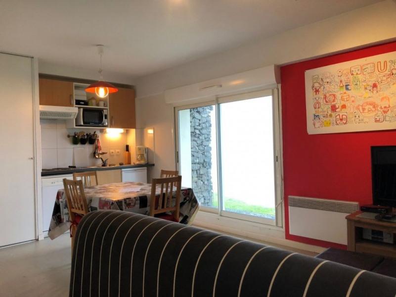 Appartement studio de 40 m² environ pour 6 personnes, située à 30 m des pistes et de la galerie commerciale, cette ré...