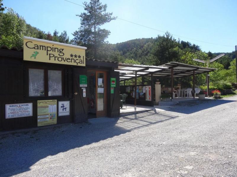 Camping Provençal, 40 emplacements, 4 locatifs