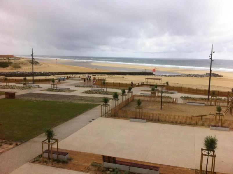 vue loggia sur plage et mer