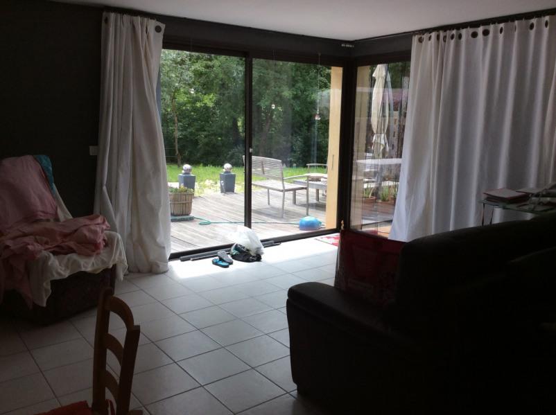 Entre mer et montagne .Au calme,maison  4 pièces avec terrasse et jardin .15 km de Cannes.