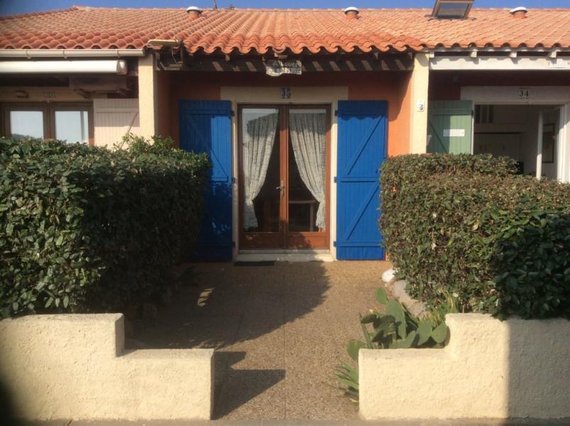 Location vacances Leucate -  Appartement - 3 personnes - Salon de jardin - Photo N° 1