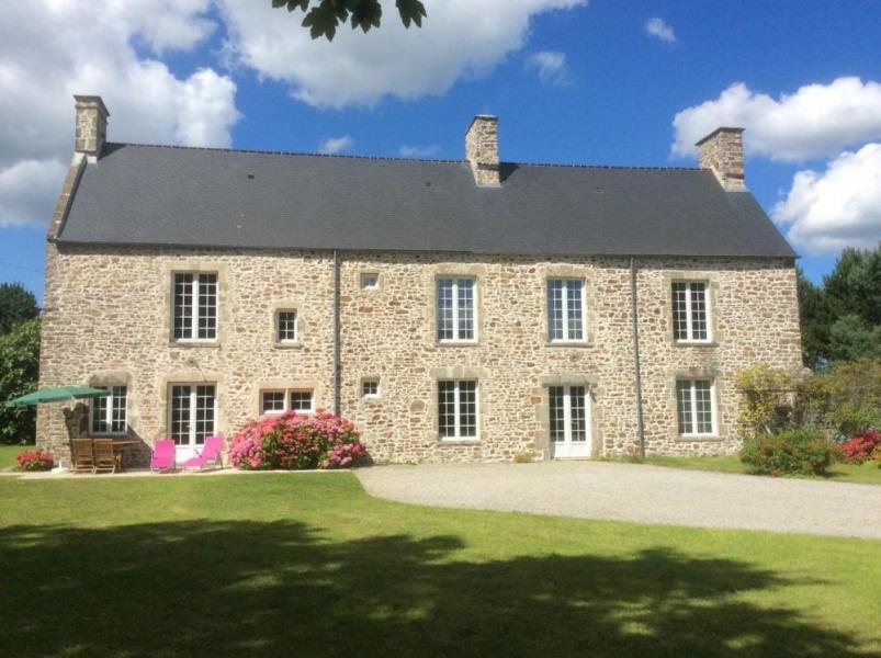 Gîtes de France Gite des Landelles. Rénové avec soin et respect du style régional, il est idéalement situé le long de...