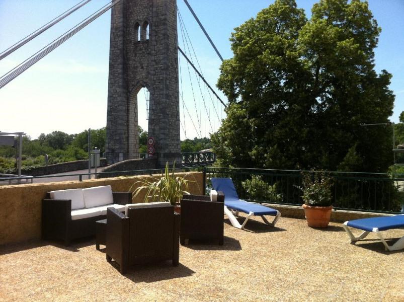 Vue sur le pont suspendu