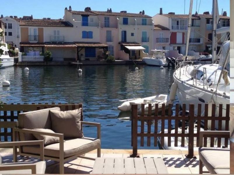 Maison jumelée en bord de marina