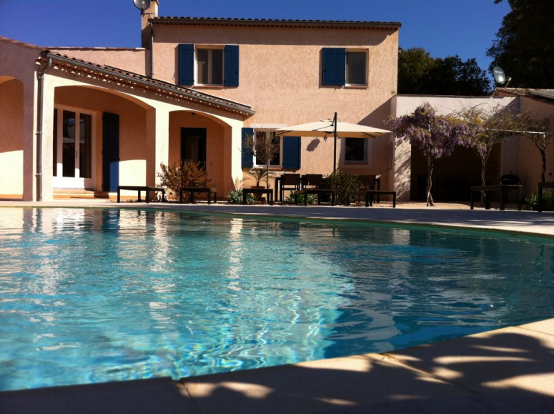 maison et piscine