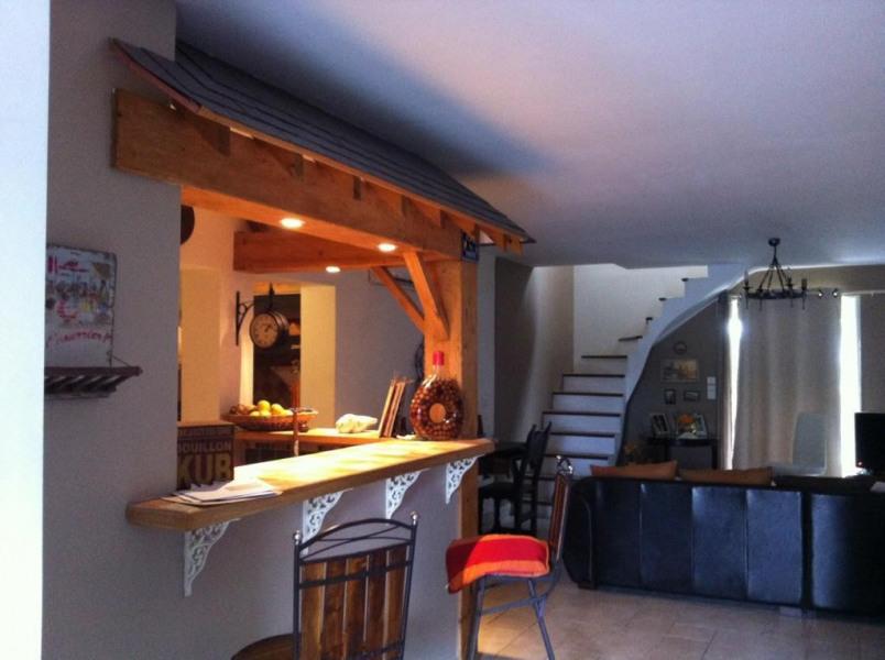 Séjour, cuisine, accès étage