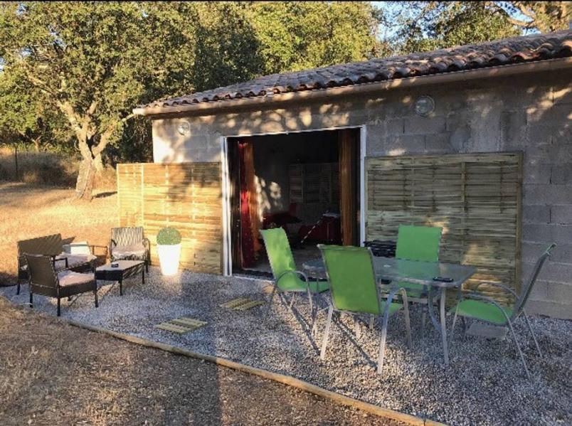 Location vacances Bastelicaccia -  Appartement - 2 personnes - Barbecue - Photo N° 1