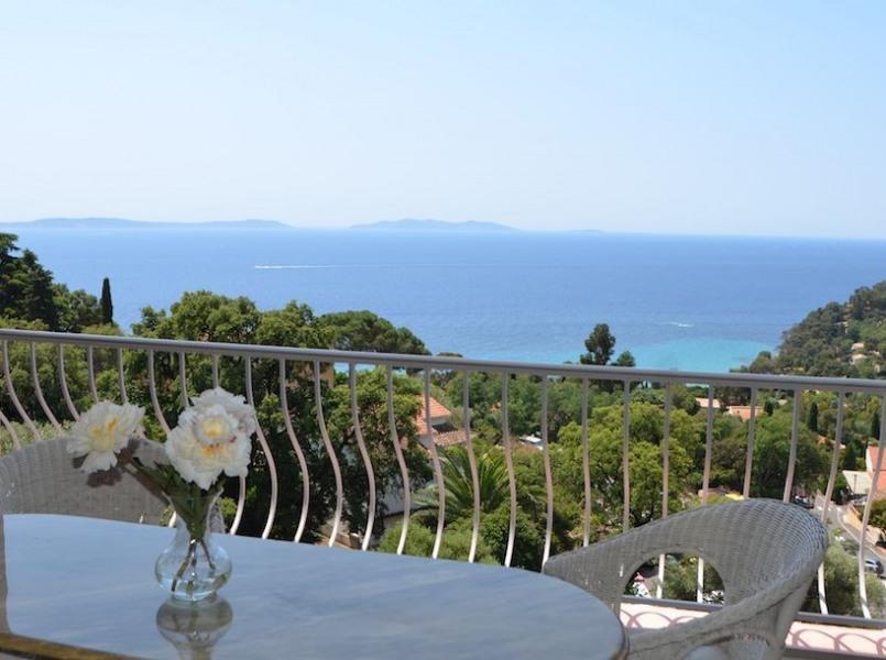 Location vacances Rayol-Canadel-sur-Mer -  Appartement - 6 personnes - Cheminée - Photo N° 1