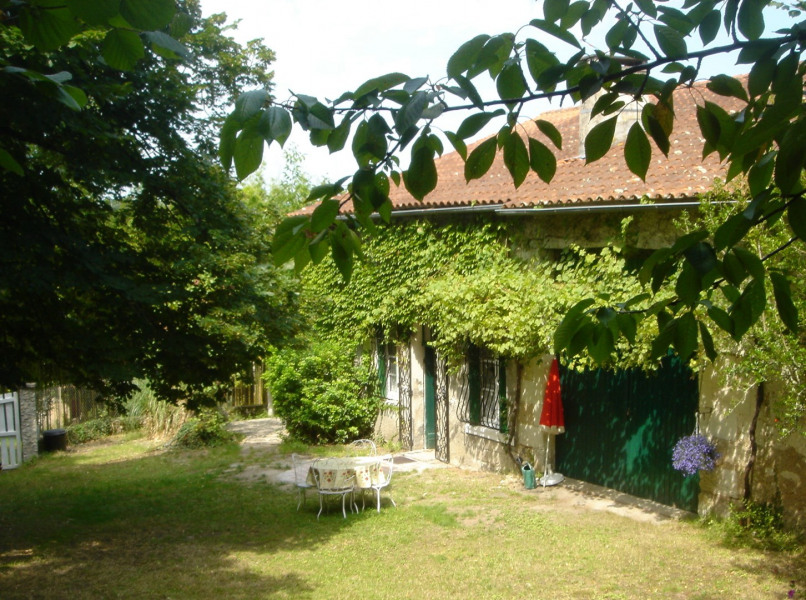 Location vacances Saint-Aulaye -  Gite - 6 personnes - Barbecue - Photo N° 1